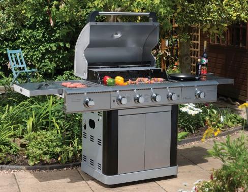 Cucina portatile con il bbq a gas - Barbecue portatile a gas ...